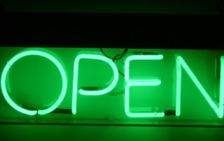 open_sign_green_neon_150-R15-A